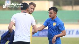 HLV Thanh Hóa quyết gây khó dễ cho SLNA tại sân Vinh