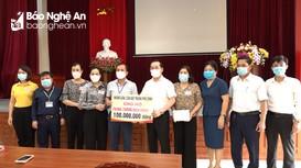 TP. Vinh trao quà hỗ trợ các lực lượng phòng, chống dịch Covid-19