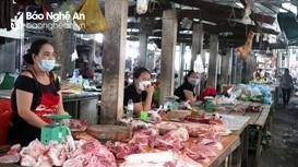 Nghệ An: Giá thịt lợn 'hạ nhiệt', giá rau xanh đội lên