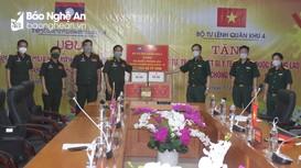 Quân khu 4 hỗ trợ Lào vật tư y tế phòng, chống dịch Covid-19
