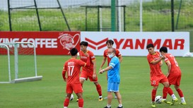 Cơ hội làm mới đội tuyển Việt Nam