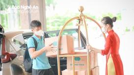 Trọng Hoàng, Phan Văn Đức mang quà quê lên hội quân cùng tuyển Việt Nam