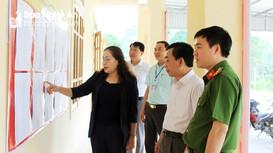 Đoàn công tác tỉnh Nghệ An kiểm tra việc chuẩn bị bầu cử tại huyện Quỳ Hợp