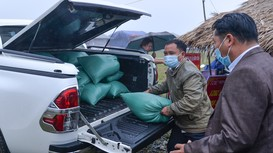 Đoàn Thanh niên Báo Nghệ An, Đồn BP Nậm Cắn tặng quà công dân về từ các tỉnh phía Nam