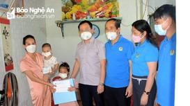 Công đoàn Y tế Nghệ An tặng quà Trung thu cho con cán bộ y tế tuyến đầu chống dịch
