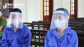 Cha và con trai cùng vào tù vì buôn heroin