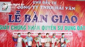 Lễ bàn giao Giấy chứng nhận quyền sử dụng đất ở khu đô thị mới Hồng Yên (Diễn Châu)