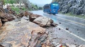 Nghệ An: Mưa lớn, nhiều điểm sạt lở núi nghiêm trọng