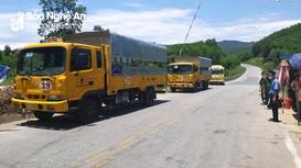 Bố trí xe hỗ trợ công dân về từ phía Nam tại chốt kiểm soát ở Thanh Chương