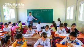 Nhọc nhằn những lớp học ghép ở miền Tây Nghệ An