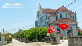 Lan tỏa phong trào trao tặng và treo cờ Tổ quốc tại các cơ sở tôn giáo ở Nghệ An