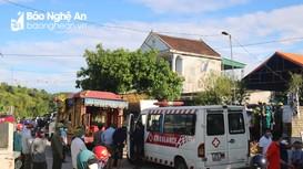 Người dân ở Thanh Chương đau xót tiễn đưa 4 nạn nhân vụ cháy phòng trà về nơi an nghỉ cuối cùng