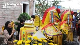 Cầu an biến tướng đang làm méo mó văn hóa Việt
