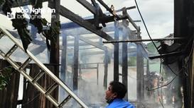 Hỏa hoạn thiêu rụi 3 ngôi nhà ở xã biên giới Nghệ An