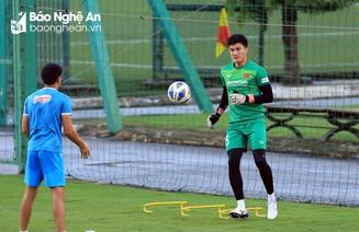 Thủ môn Văn Hoàng nói về cơ hội bắt chính ở Đội tuyển Việt Nam