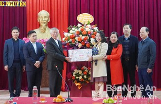 Tòa Giám mục Giáo phận Vinh chúc Tết huyện Hưng Nguyên