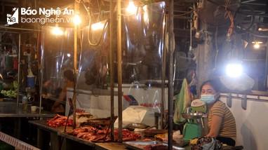 TP Vinh: Chợ vắng đến không ngờ trong ngày đầu mở cửa trở lại