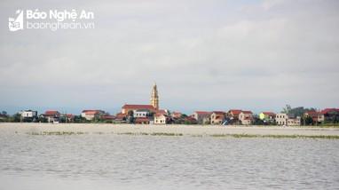 Gần 3.000 hộ dân vẫn bị ngập tại tâm lũ Quỳnh Lưu