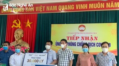 Chung tay chống dịch Covid-19, Tập đoàn TH trao tặng thị xã Hoàng Mai hơn 600 thùng sữa
