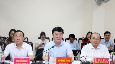 Chủ tịch UBND tỉnh Nguyễn Đức Trung tiếp công dân định kỳ tháng 4