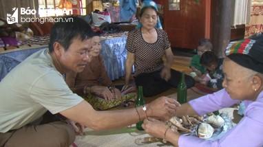 Độc đáo tục gọi vía về ăn Tết của người Thái Con Cuông