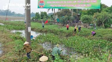 Nông dân Nghệ An rầm rộ ra quân làm giao thông, thủy lợi