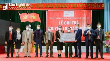 Một khách hàng ở Nghệ An được Prudential chi trả bảo hiểm hơn 1 tỷ đồng