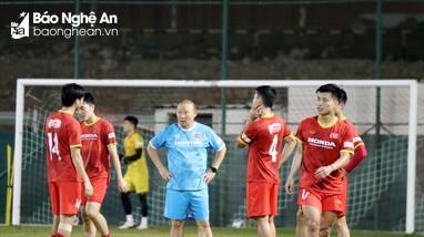 VFF sắp chốt tương lai của HLV Park Hang-seo?; MU sai lầm tăng lương khủng cho Paul Pogba