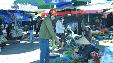 TP Vinh: Các chợ mở cửa bình thường, bán đủ nhu yếu phẩm cần thiết