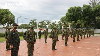 Bộ Chỉ huy Quân sự tỉnh Nghệ An tăng cường lực lượng ra Quỳnh Lưu chống dịch