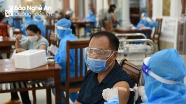 Vì sao Nghệ An là địa phương có tỷ lệ tiêm vắc-xin Covid-19 chậm nhất?