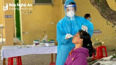 Quyền trạm trưởng y tế bị đình chỉ công tác vì ca bệnh trong cộng đồng ở TP Vinh