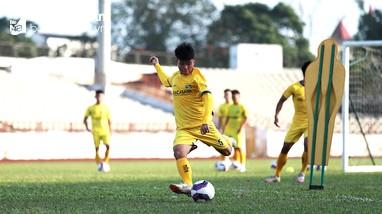 HLV Park Hang-seo gọi 'măng non' SLNA lên U22 Việt Nam