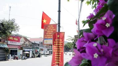 Vùng cao Nghệ An bừng sắc cờ hoa trước ngày hội lớn