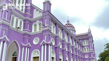 Khám phá nhà thờ màu tím độc đáo ở Nghệ An