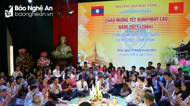Nồng ấm Tết Bunpimay của du học sinh Lào trên đất Nghệ An
