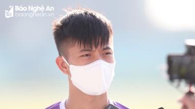 Phan Văn Đức được thầy Park phân công trả lời báo chí trước trận gặp Indonesia