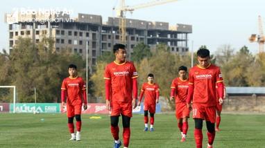 Sỹ Hoàng và Văn Việt của SLNA tích cực tập luyện cho trận đấu với U23 Đài Bắc Trung Hoa
