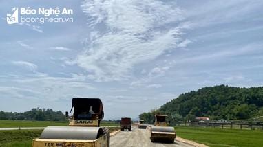 Tiến độ 'vàng' trên tuyến nâng cấp Quốc lộ 15A