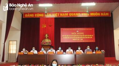 Các ứng cử viên đại biểu Quốc hội và HĐND tỉnh tiếp xúc cử tri Con Cuông