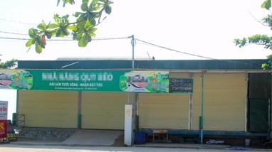 Hàng quán dịch vụ bãi tắm biển Nghệ An tự giác đóng cửa phòng dịch Covid-19