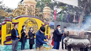 Các đền, chùa ở Nghệ An thực hiện nghiêm phòng, chống dịch Covid -19