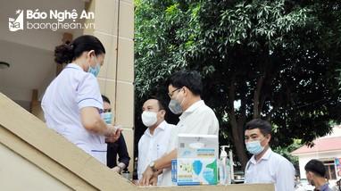 Nghệ An: Kiểm tra công tác phòng, chống dịch tại các điểm bầu cử và khu cách ly