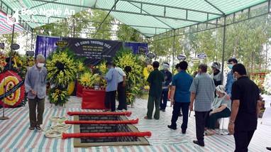 Đoàn đại biểu tỉnh Nghệ An viếng và dự lễ an táng nhà văn Sơn Tùng