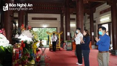 Ban Tuyên giáo Tỉnh ủy dâng hương tưởng niệm 53 năm ngày mất các Anh hùng liệt sỹ Truông Bồn