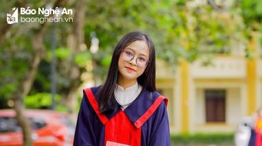 Nữ thủ khoa khối B của Nghệ An là thí sinh tự do và từng từ chối vào đại học để thi lại