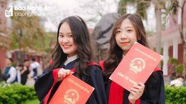 Nữ sinh giành điểm 10 duy nhất môn tiếng Trung của Nghệ An