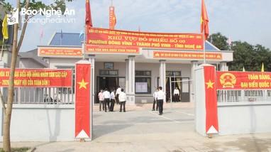 Chủ tịch Ủy ban Bầu cử tỉnh kiểm tra công tác bầu cử tại thành phố Vinh