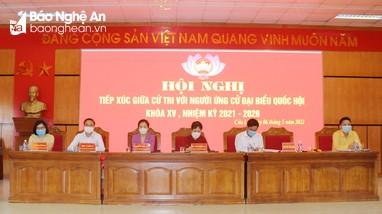 Cử tri thị xã Cửa Lò tiếp xúc với các ứng cử viên đại biểu Quốc hội