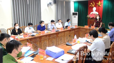 Đoàn công tác Tỉnh ủy giám sát việc triển khai Nghị quyết Đại hội Đảng tại Quỳ Hợp